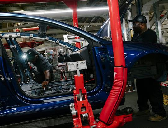 Tesla suspends production at car assembly plant in California